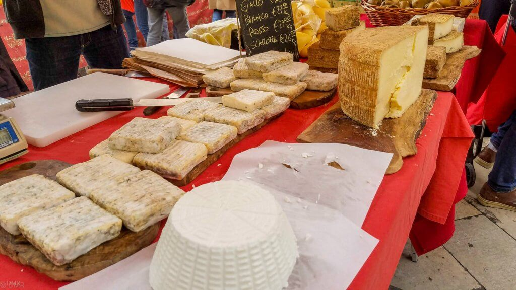 France Aix-en-Provence market cheese