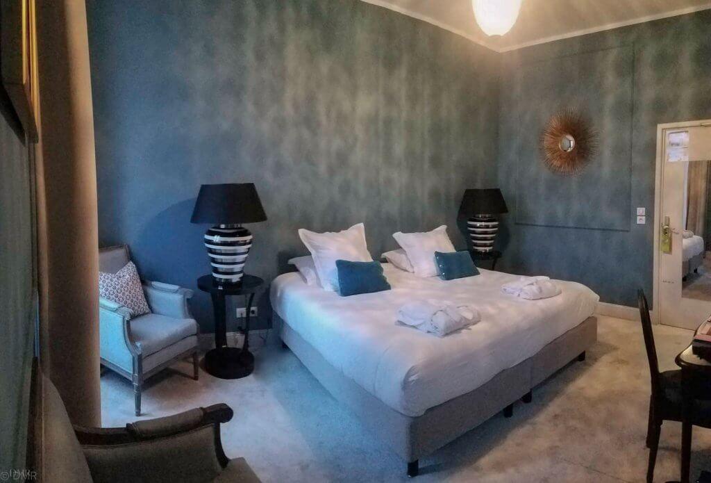 France LIsle-sur-la-Sorgue Hotel Henri double room