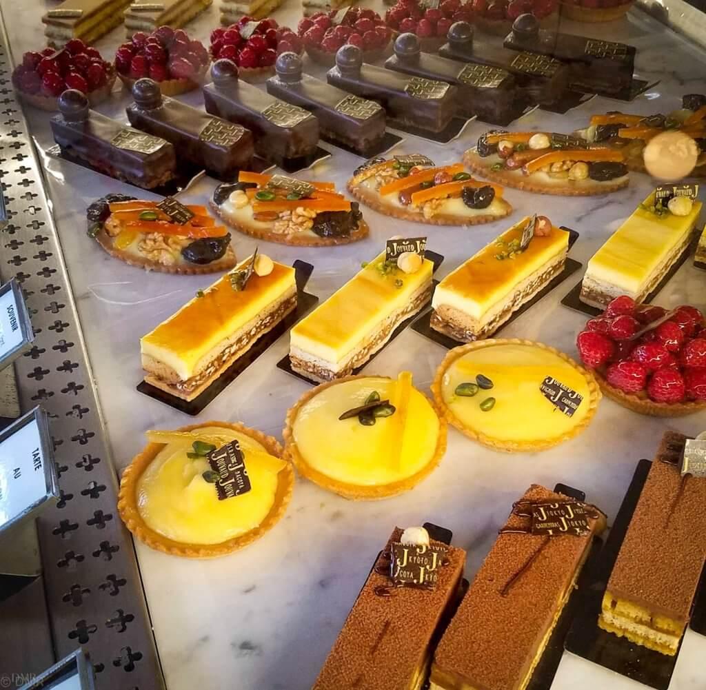 France LIsle-sur-la-Sorgue Patisserie Jouvaud pastries