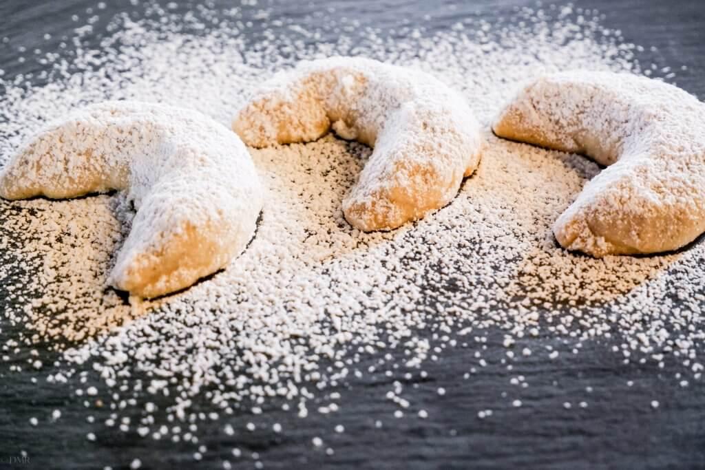 Vanillekipferl German crescent cookies